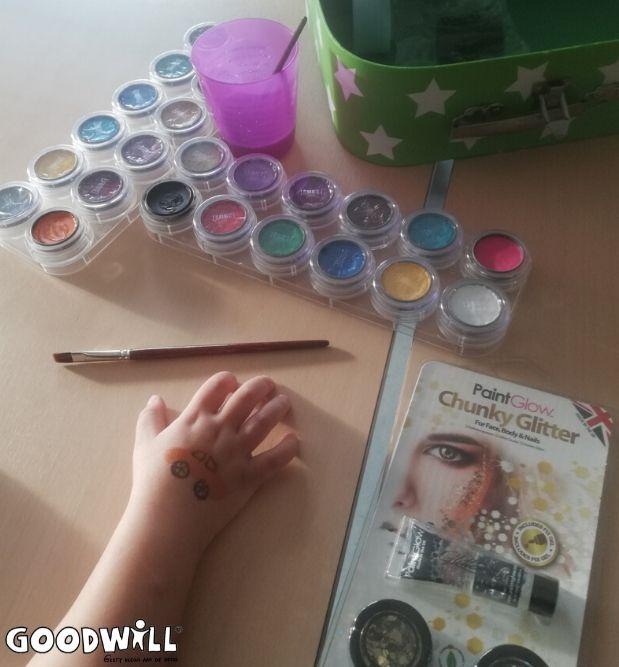 Nieuwe schminkspullen voor Youké Mimosa