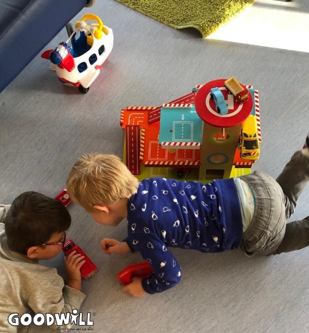 Nieuw speelgoed voor speltherapie in Sneek