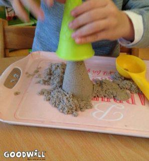 Kinetisch zand zorgt voor ontwikkeling van de tast_Goodwill.nl