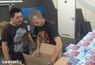 Clienten van Philadelphia pakken Kinderpuzzel- en Kleurboeken in